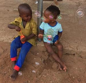 Η Στεφανία Ναλμπάντη κατάγεται απο τη Λευκίμη Έβρου και μας μιλάει για την περιπέτειά της στην Γκάνα !!!