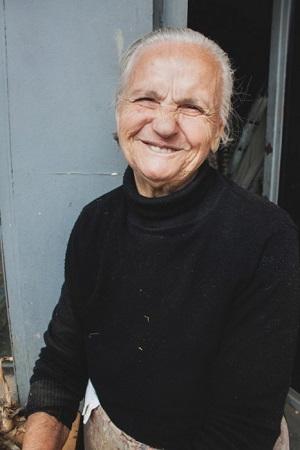 γιαγιά τρώει μαύρο μουνί