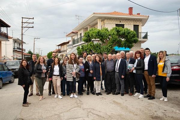 «Οργώνει» τα χωριά του Δήμου Διδυμοτείχου ο Παρασκευάς Πατσουρίδης