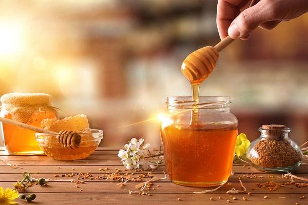 Αγνό μέλι Βασιλειάδη από την Κυριακή Σουφλίου